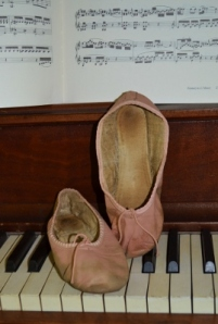 Ballet slippers on keyboard (2)