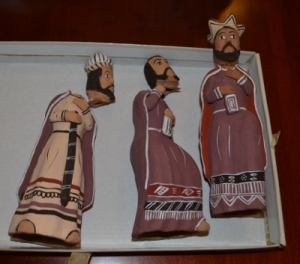 Broken Wisemen Figurines