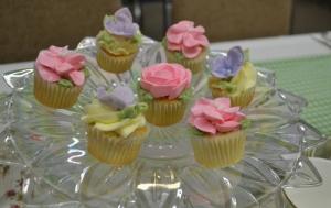 Tiny Flower Cupcakes