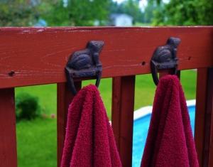 Frog towel hooks