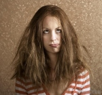 woman-with-frizzy-brown-hair (800x749) (640x599)