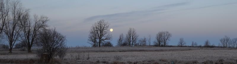 moon-on-the-horizon_ed