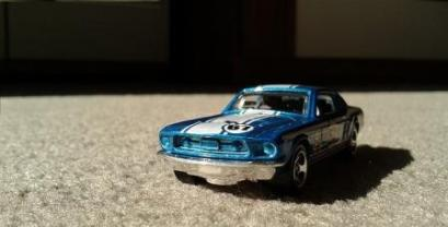 hot-wheels-897303_640