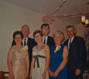 Mom and Dad Wedding (800x713)